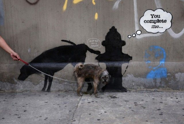Society Seen Through The Prism of Banksy Art_24
