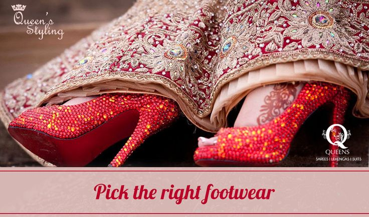 Footwear deserve your maximum attention when it comes to wearing Sarees. Sports shoes, chappals, wedges are a strict no-no. #QueensEmporium #Sarees #QueenStyling