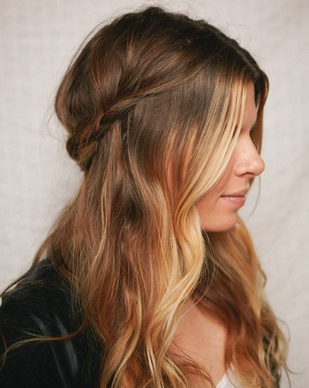 25 Gorgeous Half-Up, Half-Down Hairstyles. Half Up Braided Crown I can imagine wearing this braided half up style to all sorts of casual summer events from picnics to concerts in the park. Found on A Cup of Joe.