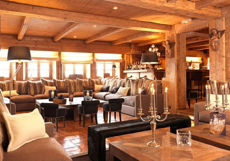 Hôtel du Fer à Cheval http://www.vogue.fr/voyages/adresses/diaporama/un-noel-a-megeve/16670/image/890038#!guide-du-week-end-megeve-le-bar-du-trapeur-hotel-park-lodge