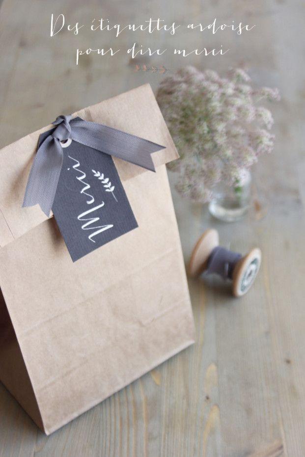 FREE printable french thank you tags: merci ©La mariee aux pieds nus - Des etiquettes tags ardoise merci a telecharger