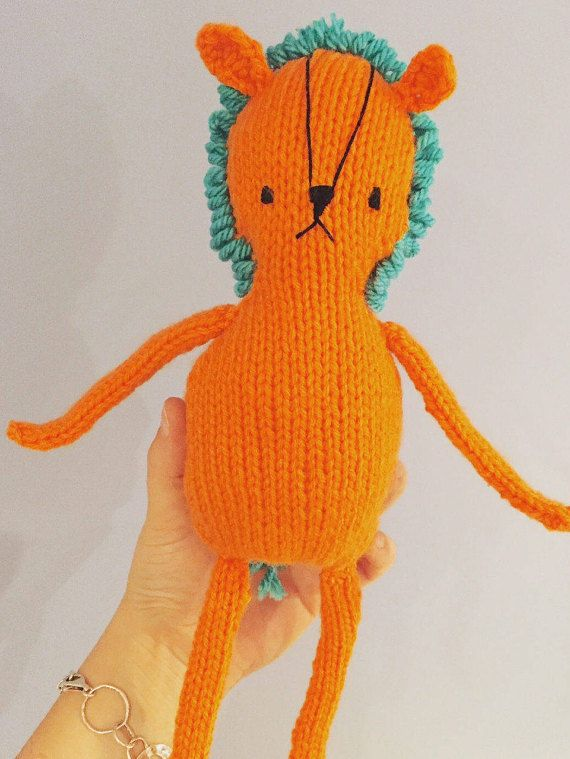 Knitted lion toy by OnlyOneKnitToys #etsy #babygift #knittedtoy #handmade
