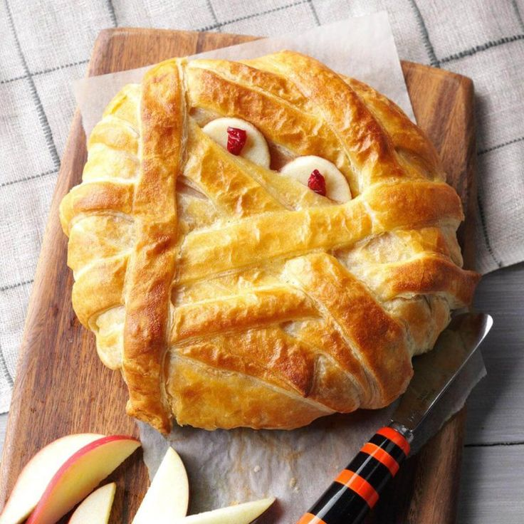 MummyWrapped Brie Recipe Halloween dishes, Potluck