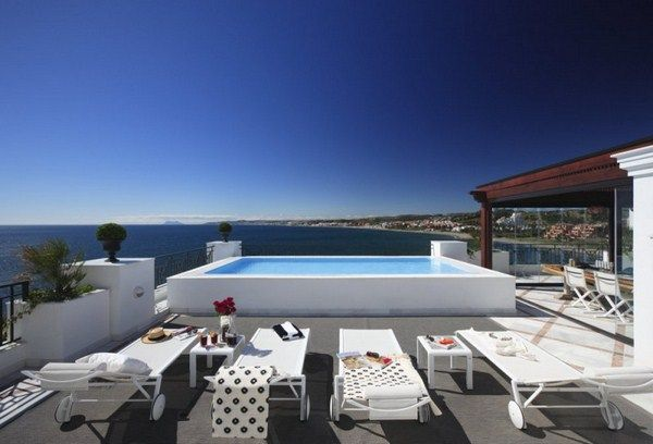 Penthouse in Marbella with pool 800x544