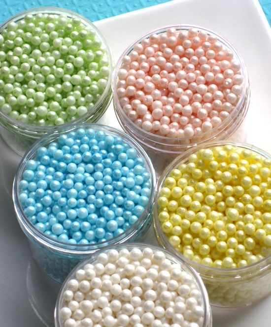 How to make your own consistent-sized fondant pearls.
