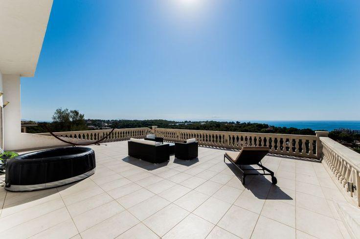 Lyxobjekt: Lyxig villa med havsutsikt och pool i Portals Nous, uthyres långtid.
