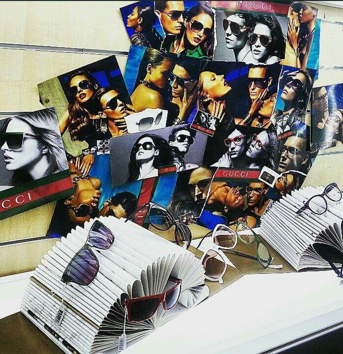 Vetrina Gucci Creazione espostitore con cataloghi e patchwork di immagine Anno 2015
