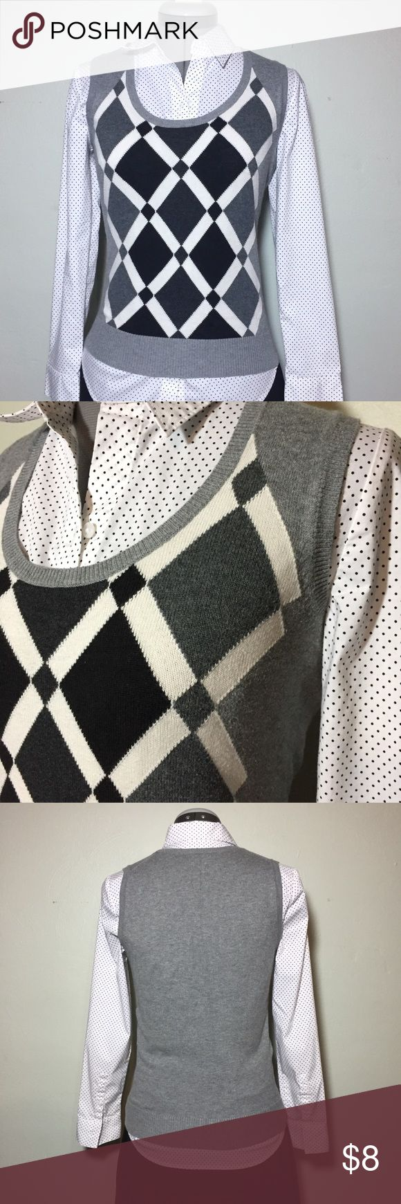 "The Limited Gray & Black Argyle Sweater Vest XS The Limited Gray & Black Argyle Sweater Vest. Size XS measures flat: 16"" across chest, 22"" long. 100% cotton. Hand Wash. MC/102217 The Limited Sweaters"