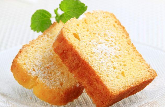 vanillecake - 1 ei vervangen door melk geeft minder kruimelige cake - Lekker van bij ons