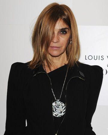 Seit zwei Jahren  ist Carine Roitfeld nicht mehr Chefin der französischen Vogue - und  trotzdem geht in der Modewelt nichts ohne sie. Ein Gespräch über  wirkungsvolle Absätze und Kosakenbräuche.