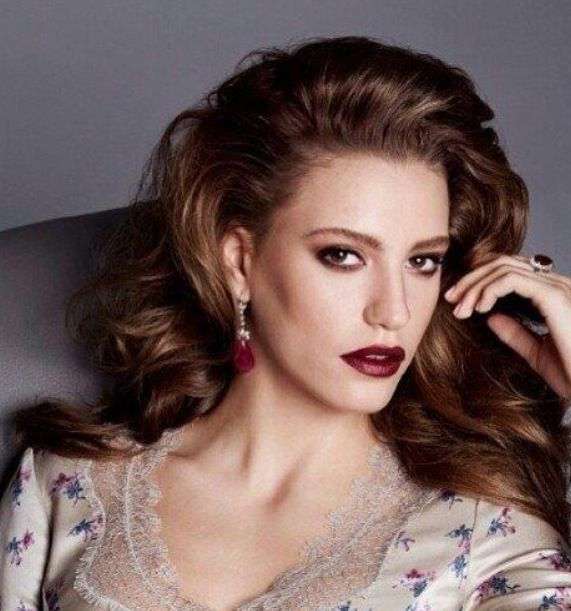 Turkish actress Serenay Sarikaya
