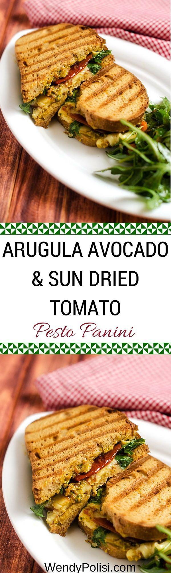 Zon gedroogde tomaat, rucola en avocado Pesto Panini - Een gezonde glutenvrij lunch of diner recept! Zo simpel maar zo goed!