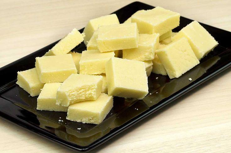 Receita de doce de leite Ninho (leite em pó) de corte. Fácil, rápido e com jeito de doce junino, doce caseiro. É delicioso!