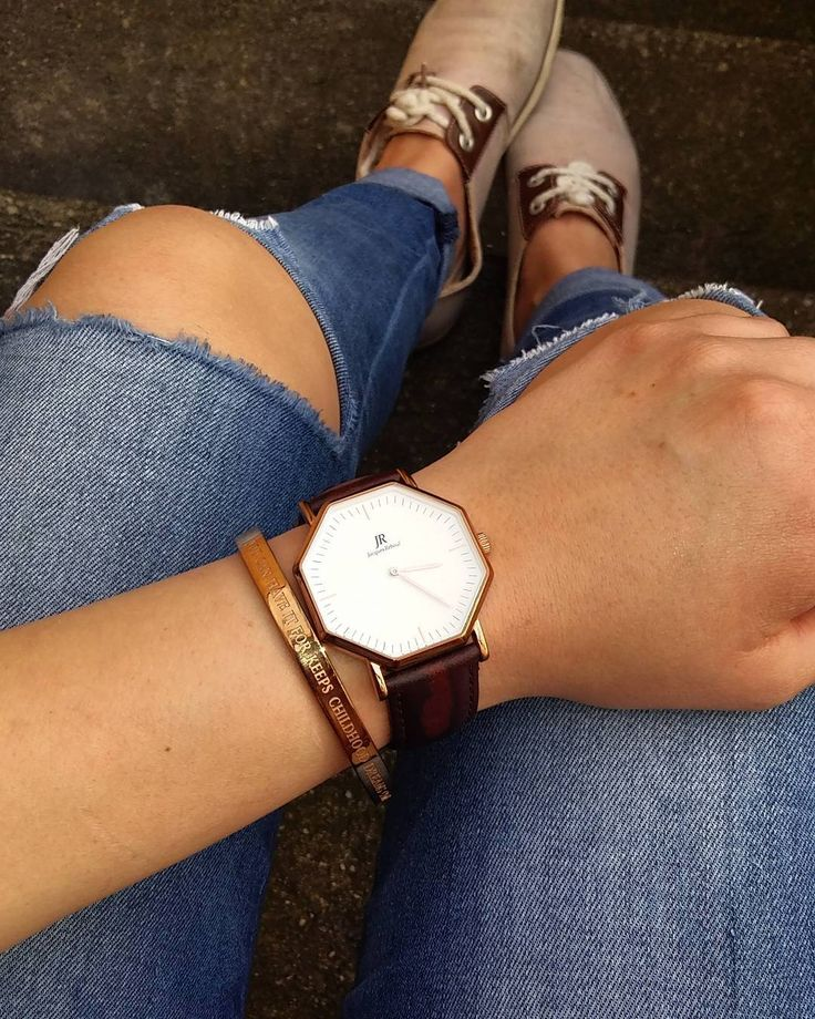 Great photo of the Jacques Reboul Unisex size Ø41mm.