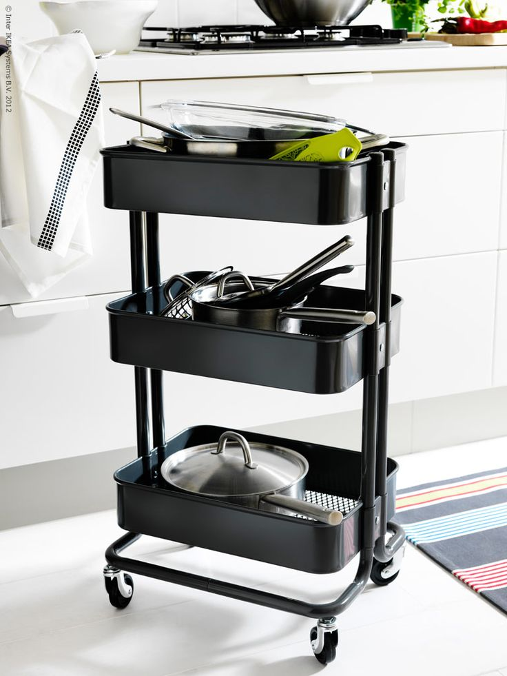 The RÅSKOG kitchen cart can hold all your essentials and looks good doing it.