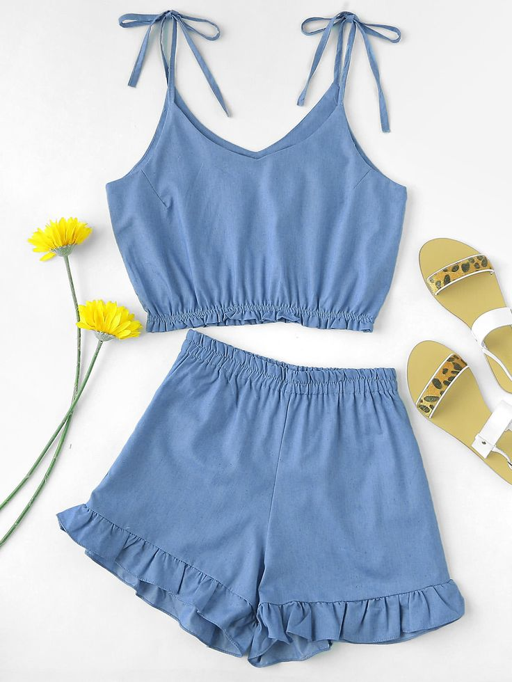 ¡Cómpralo ya!. Tie Shoulder Crop Cami Top With Ruffle Hem Shorts. Shorts Blue Denim Plain Strap V neck Sleeveless Ruffle Cute Vacation Fabric has no stretch Summer Two-piece Outfits. , topcorto, croptops, croptop, croptops, croptop, topcrop, topscrops, cropped, topbailarina, corto, camisolacorta, crop, croppedt-shirt, kurzestop, topcorto, topcourt, topcorto, cortos. Top corto de mujer de SheIn.