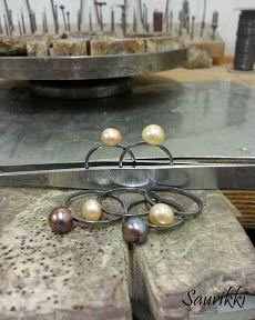 Silver pearlrings