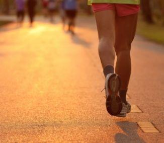 Behaním zhodíte viac, chôdzou sa skôr vyhnete zraneniu