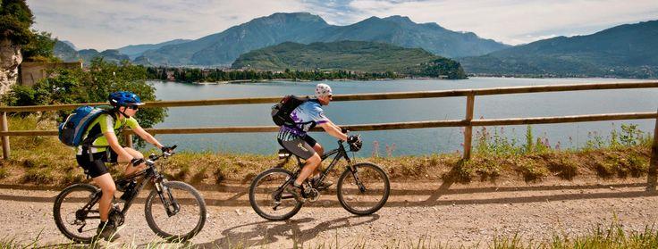 """La Strada del #Ponale è un must del #GardaTrentino: aperta al traffico fino al 1992, è ora l'itinerario più dai #bikers e dagli escursionisti. The #Ponale road is a real """"must-do"""" of #GardaTrentino: open to the traffic till 1992, is now the most famous tour for #bikers and #trekkers.  #mountaingardabike #trentino"""