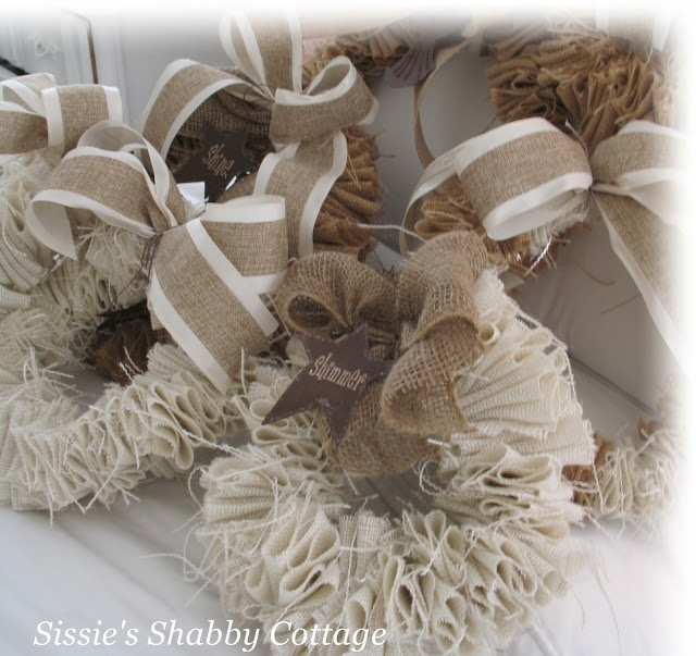 Sissie's Shabby Cottage: Burlap Wreaths