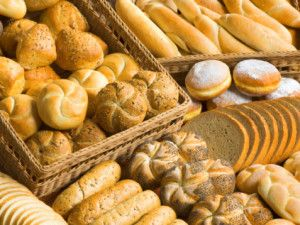Stuie's Brooklyn Bagel Bakery and Jewish Delicatessen is located in Whittier, CA. Just call at (562) 464-0200 and get our sweet bagel bakery.