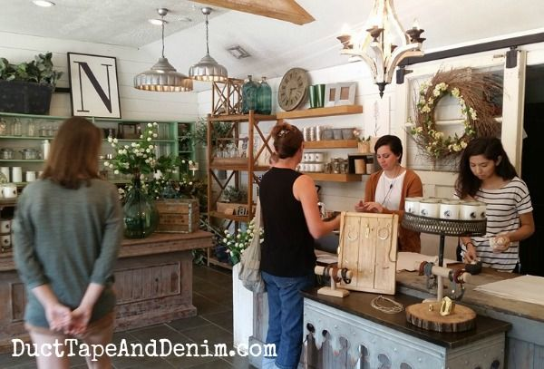 25 things to do, restaurants, cafes, hotels, parks, tourist activities, and shopping to do in Waco, Texas, on your Magnolia Market road trip.