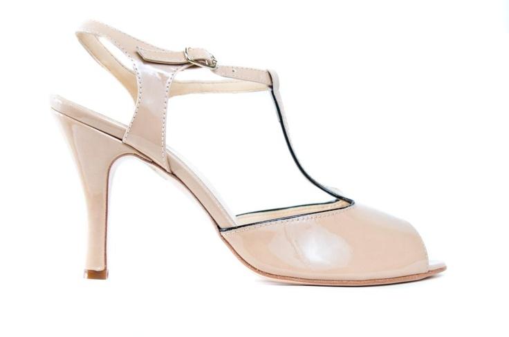 Nude patent leather t-bar. No fail shoe!Patent Leather, Leather T Bar, Shoes Stores, Leather Shoes, Fail Shoes, Cherries Shoes