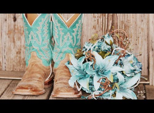 Cowgirls Wedding Colors, Wedding Shoes, Boots Cowgirls Flower, Country Weddings, Country Girls, Country Boots Wedding, Blue Flower, Country Wedding Photos, Country Flower Girls Ideas