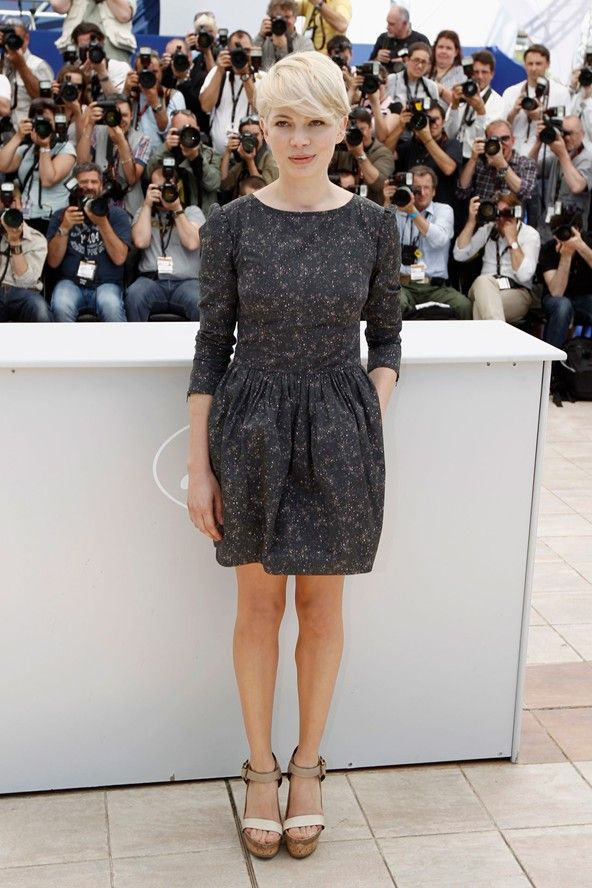 Great simple dress with subdued pattern. Style File - Michelle Williams