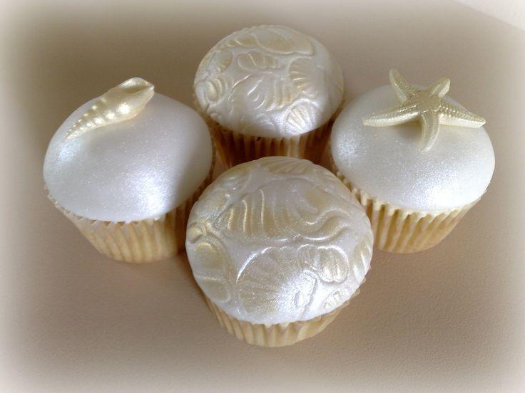 Seashell Cupcakes | por SmallThingsIced