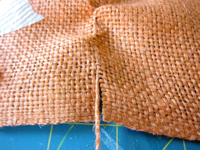 how to cut a straight line in burlap