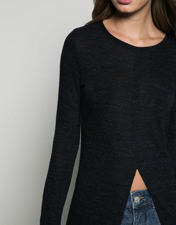 Shirt Öffnung mittig. Entdecken Sie diese und viele andere Kleidungsstücke in Bershka unter neue Produkte jede Woche
