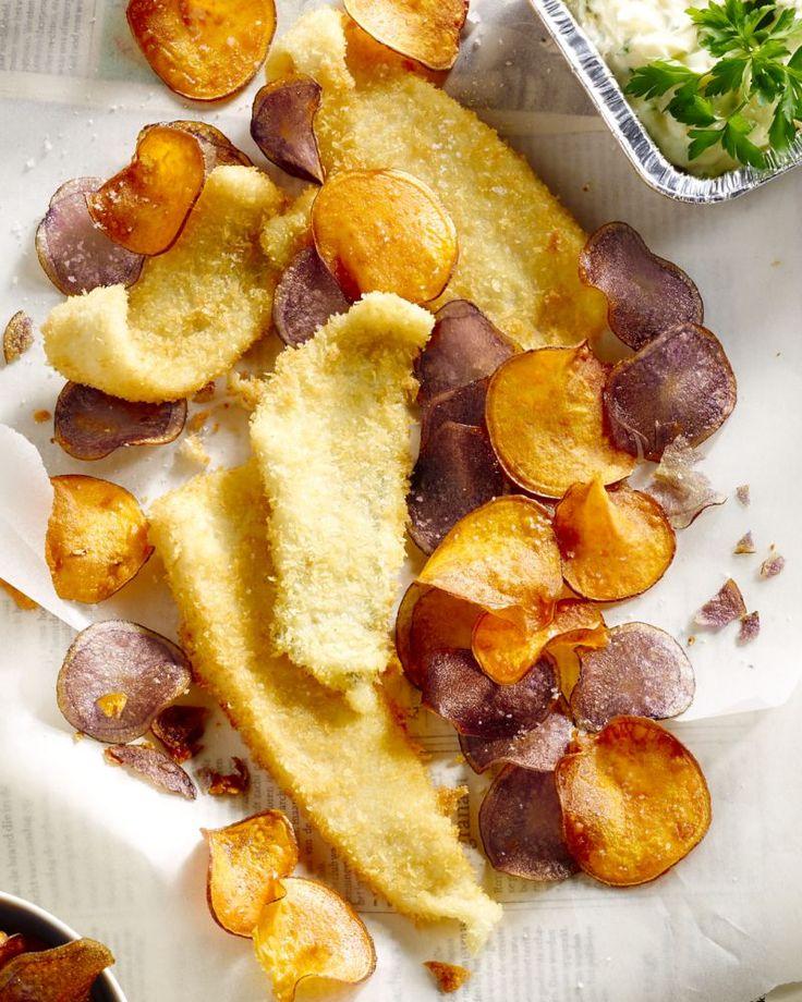 Een originele versie van fish & chips, met pladijsfilets met een panko jasje, en flinterdunne schijfjes van aardappel en zoete aardappel.