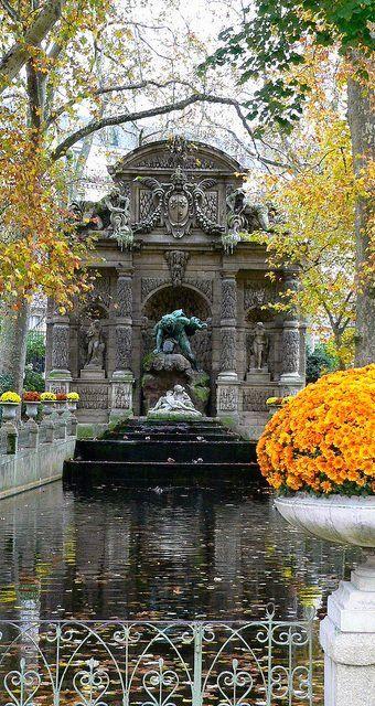 Medici Fountain ~ Jardin du Luxembourg, Paris, France Stone & Living - Immobilier de prestige - Résidentiel & Investissement // Stone & Living - Prestige estate agency - Residential & Investment www.stoneandliving.com