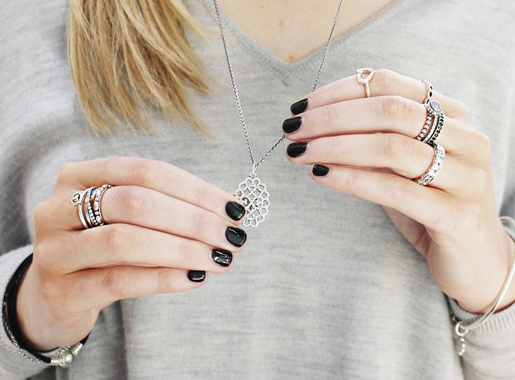 Create the perfect modern rock feel with these Trend Noir inspired ring stacks. #PANDORA #PANDORAring