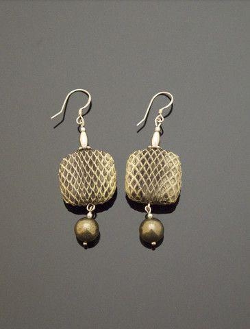 UNUKALHAI Snakeskin Earrings http://www.vonmimi.com/collections/earrings/products/unukalhai-snakeskin-earrings-e20008?utm_source=Pinterest&utm_medium=Social&utm_campaign=Earrings