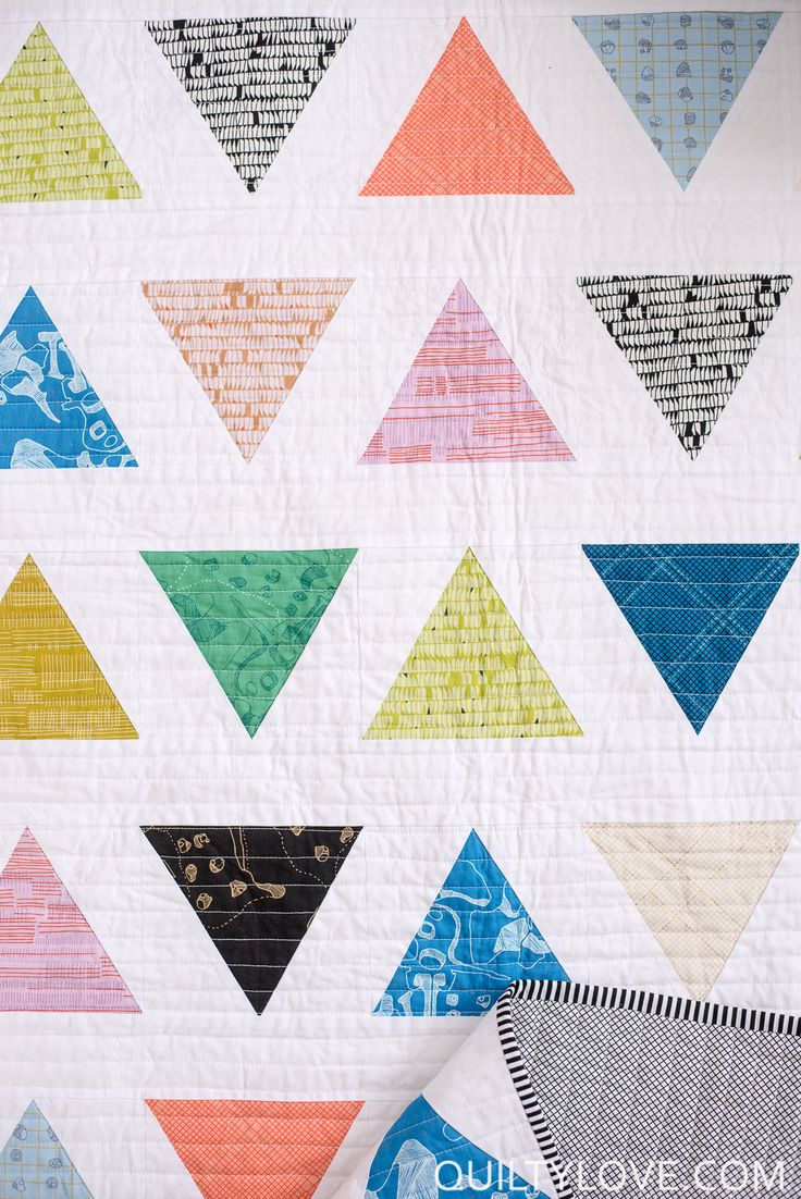Quilty Love | Introducing the TRIANGLE POP quilt pattern | http://www.quiltylove.com