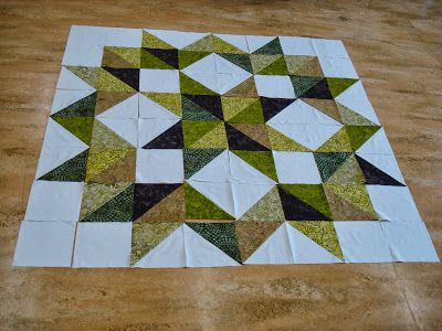 Gecko Quilt - using the Carpenter's Block, this quilt is AWESOME and check out the quilting ~ AMAZING job!