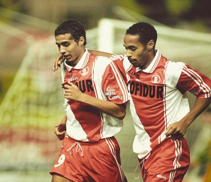 #Fontvieille David Trezeguet and Thierry Henry together in Monaco. Trezeguet juice 125 matches and scored 62 goals. Henry played in 141 games and scored 68 goals. #trezeguet #henry #argentine #france #football #monaco #legends #strardoffootball #adidas #instagood #instagram #friends #amazing #tflers #style #lol #instamood #20likes #like4like #old #good #smile #cool #fifa by football.old from #Montecarlo #Monaco