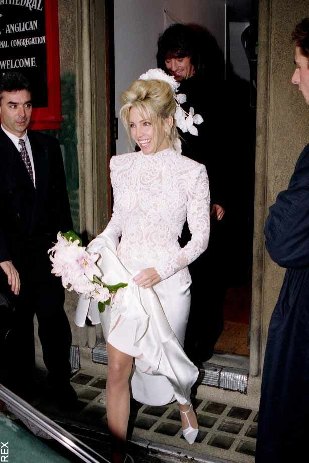 Heather locklear and richie sambora were married on for Wedding dresses in paris france