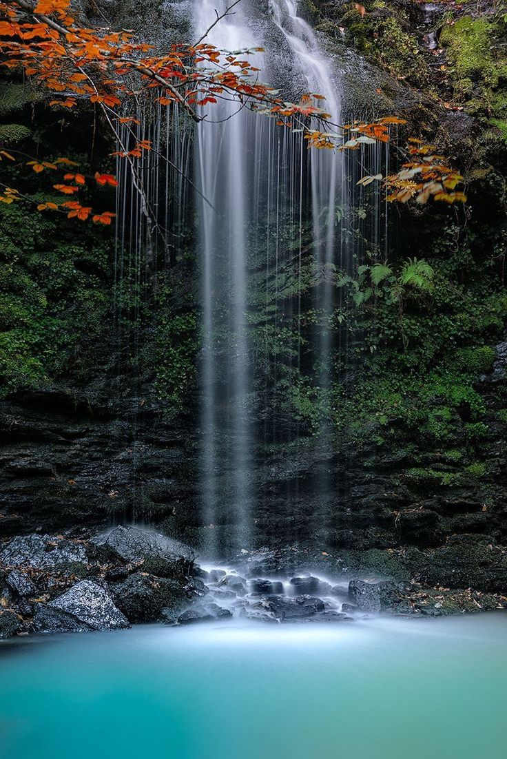 ¡Qué rincones tiene Cantabria! Hoy os descubrimos las cascadas de Lamiña. Para llegar hasta ellas lo mejor es aparcar en Barcenillas, muy cerca de Ruente. Después de dar una vuelta por el pueblo no…