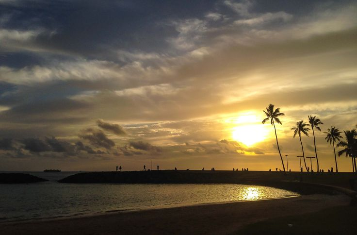 Sunset strolls are one of our favorite #Hawaii activities...What's yours? #travel #gohawaii
