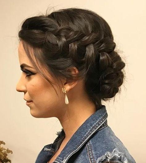 coque com trança cabelo castanho | Cabelo de 2019 | Pinterest | Penteados cabelos castanhos, Penteado cabelo curto festa e Cabelo