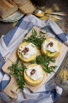 tortini di polenta con burrata e alici