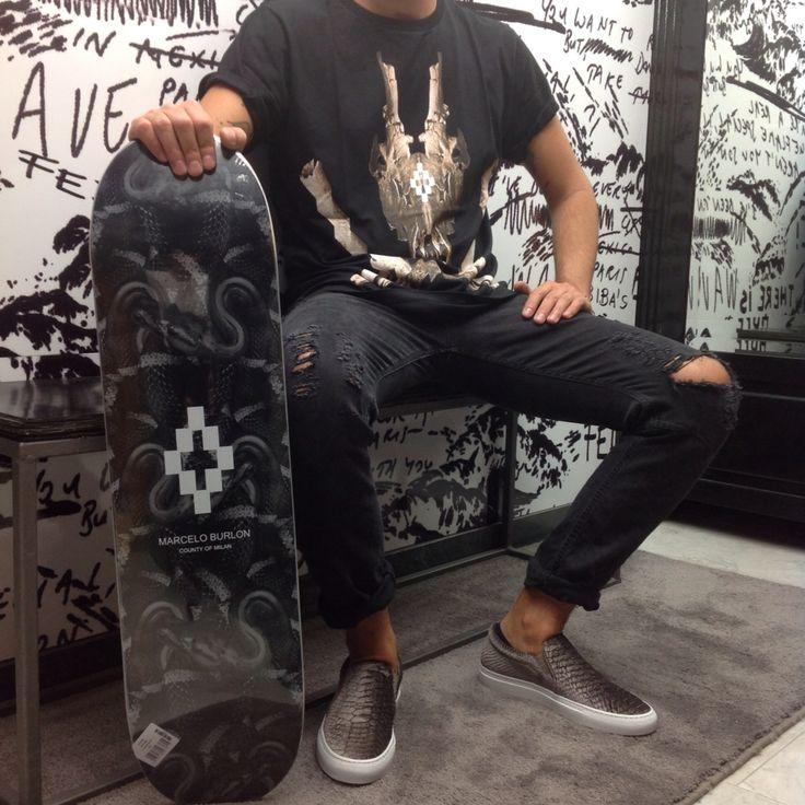 """T-Shirt and Skateboard """"MARCELO BURLON"""""""