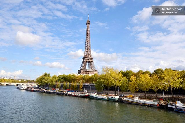 Houseboat/péniche Eiffel Tower  in Paris-sooo want to stay here on our next trip to Paris