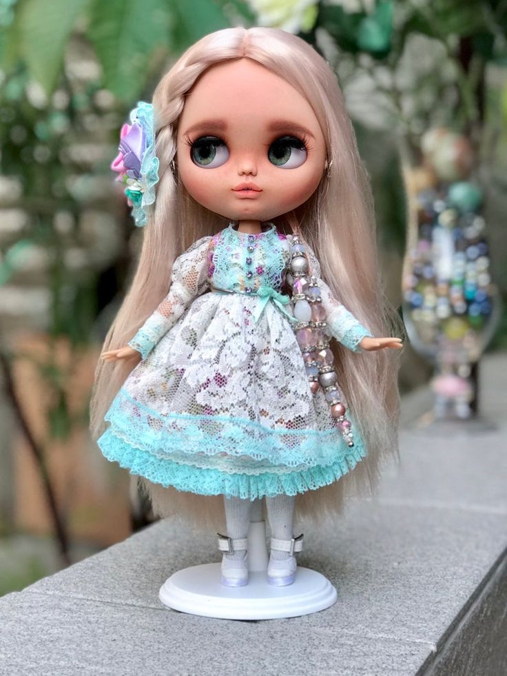 Blythe doll Polly from me, Russian doll customer. Base