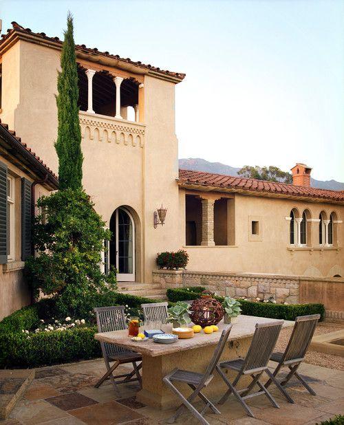 hilltop villa, northern california / tucker & marks