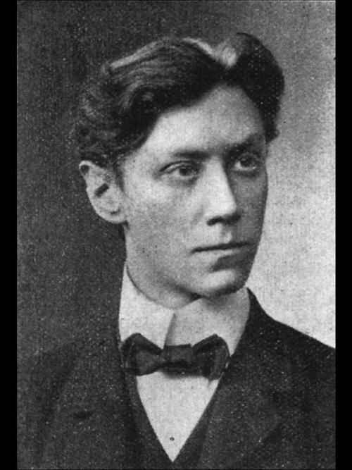 Max Schreck in 1906. Yes, Nosferatu was actually a gorgeous man underneath all that make-up.