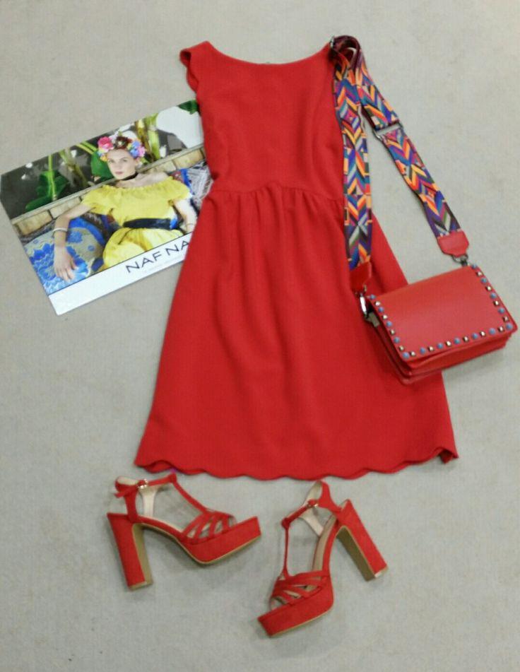 """¡ NUEVO ! Vestido """"Baby Doll"""" rojo coral de NAF NAF Sandalias en el mismo tono Bolso bandolera"""
